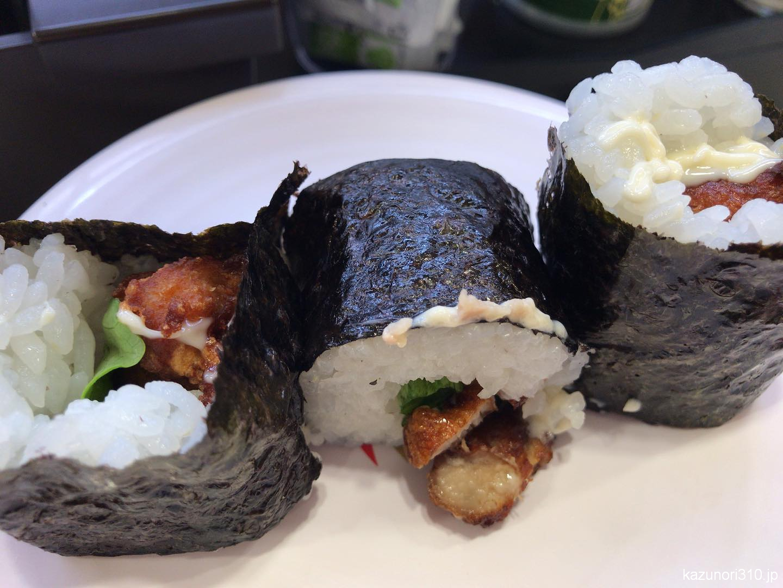 #竜田揚げロール #かっぱ寿司 ご飯に巻かれていない。客に出すのかと。